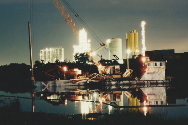 Custom designed and built plant drilling and piling on Parramatta River
