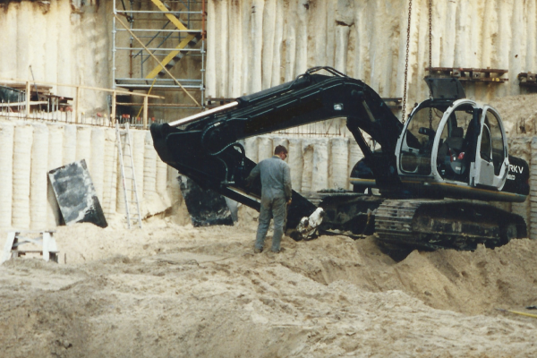 Engineering design, drilling, piling, capping beam, anchoring, excavation and certification in Manly