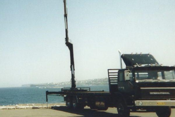 International crane truck
